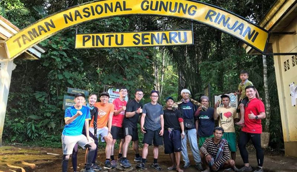 HIKING MOUNT RINJANI START SENARU VILLAGE